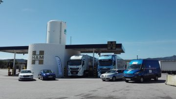 THE RALLY LNG BLUE RUNNER THROUGH THE LNG HAM STATION OF JONQUERA